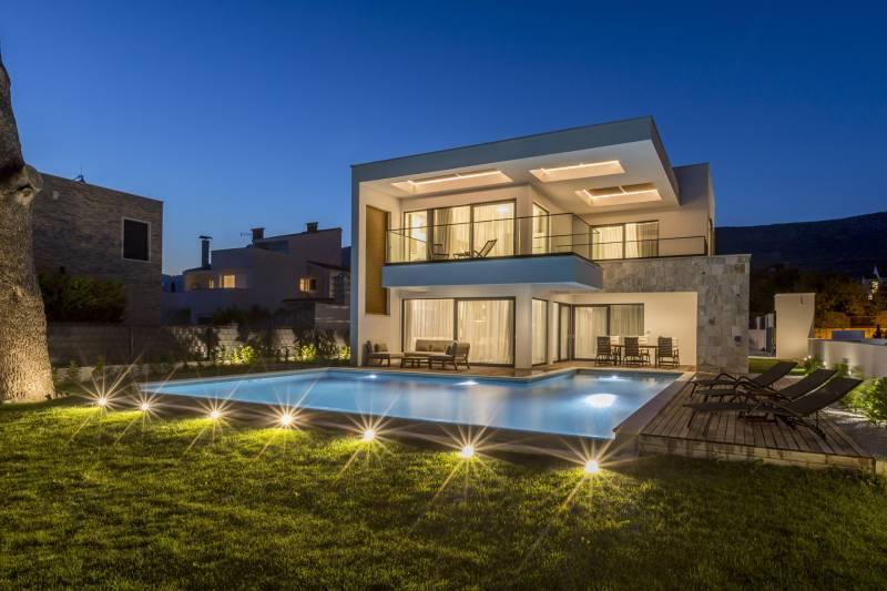 Luxury Villa Simphony with Pool
