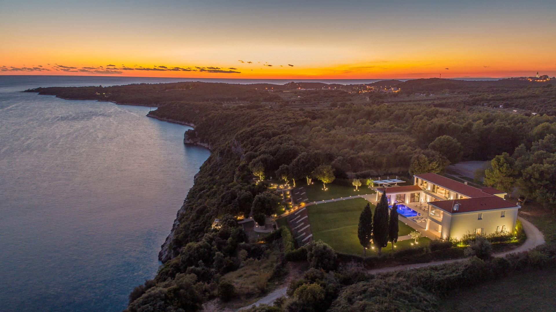 Luxury Villa La Bellissima with Pool
