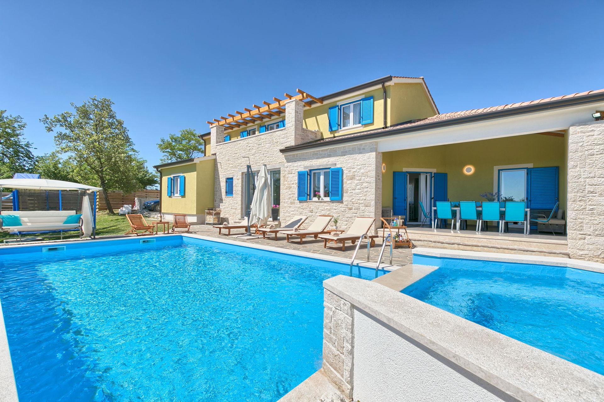 Villa Primrose with Pool I