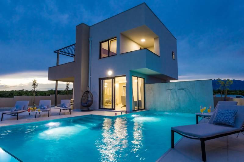 Villa Visage with Pool
