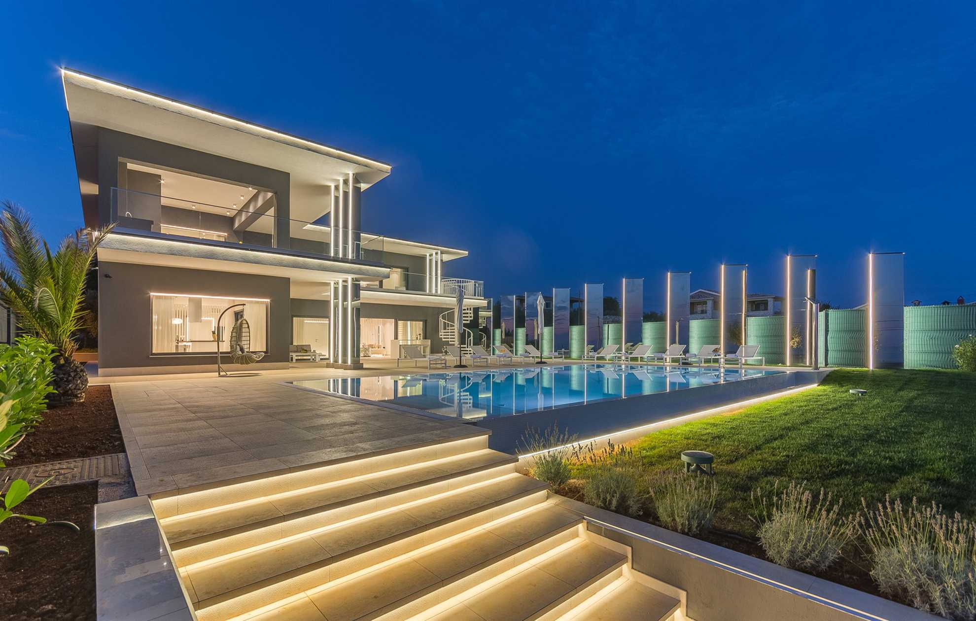 Luxury Villa Titanium with Pool