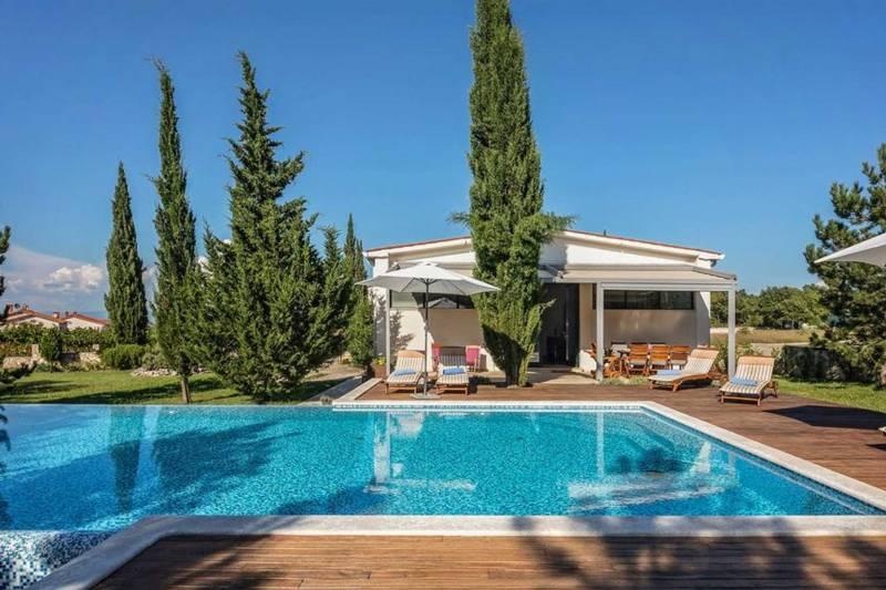 Villa Albona with Pool