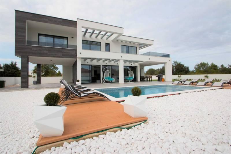 Villa Vagabundo with Pool