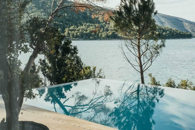 Luxury Villa Pine with Heated Pool