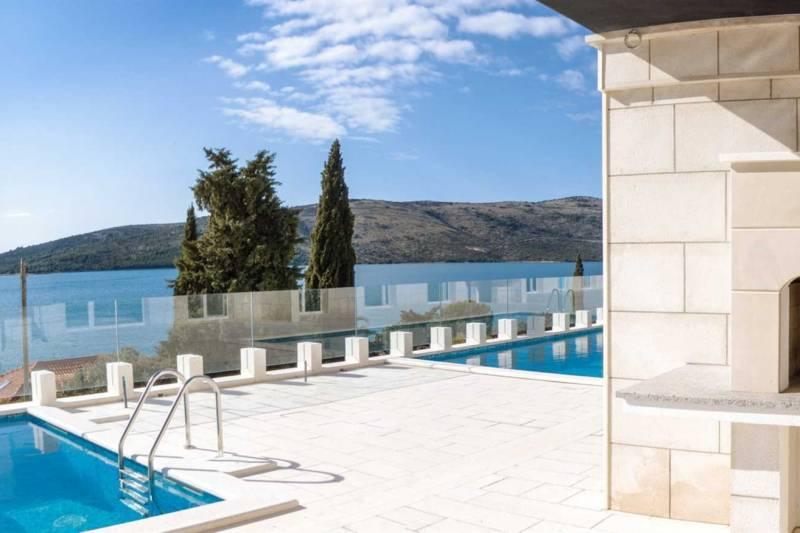 Villa Ocean View with Pool III
