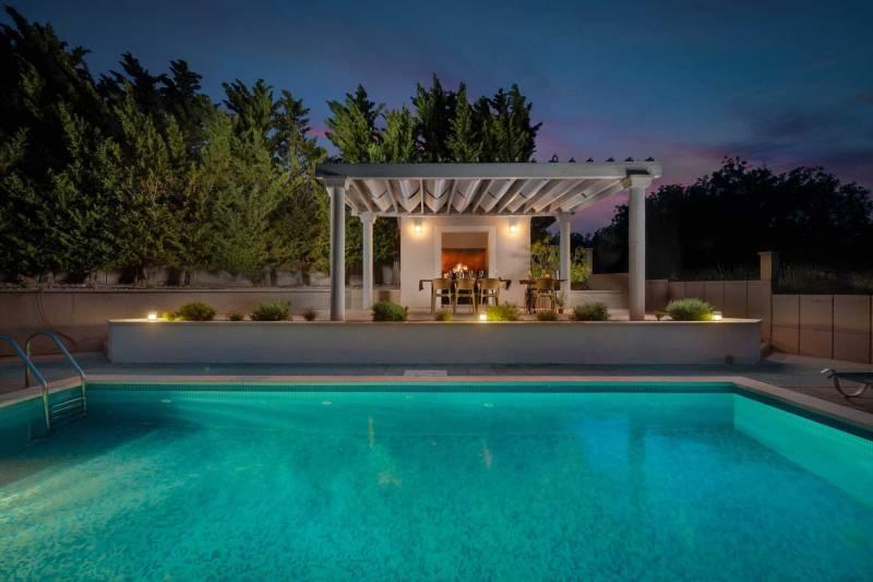 Villa Gloris with Pool