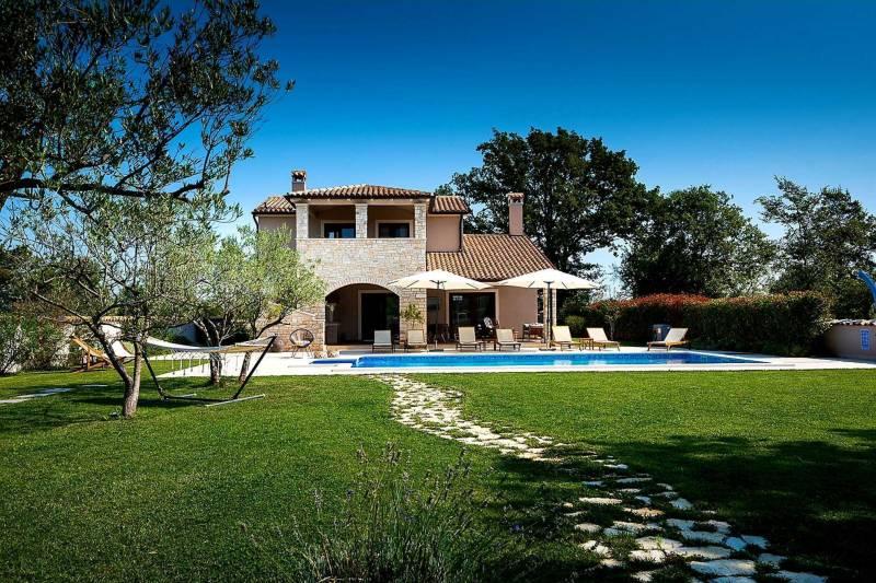 Villa Ambienta with Heated Pool