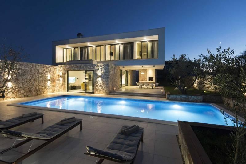 Villa Persei with Pool