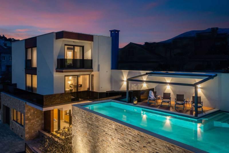 Luxury Villa Emotha with Pool