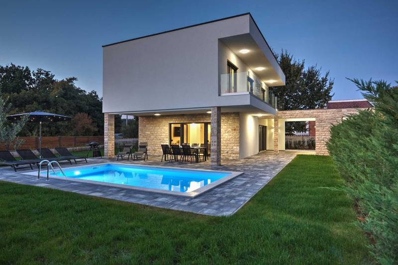 Villa Lifestyle with Pool