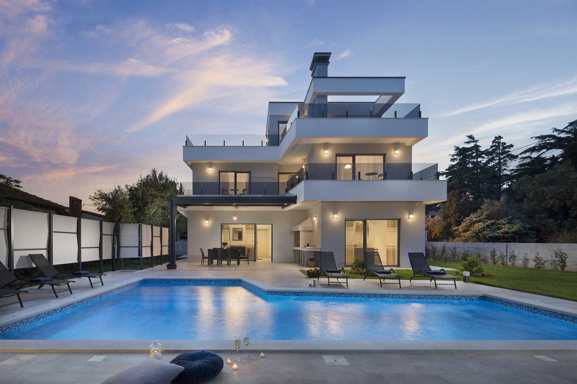Luxury Villa Costanea with Pool