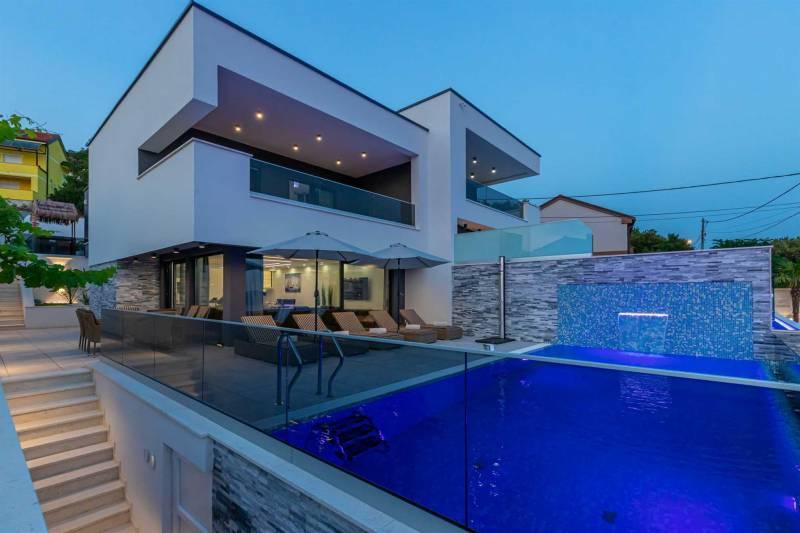Luxury Villa Cesarea with Pool