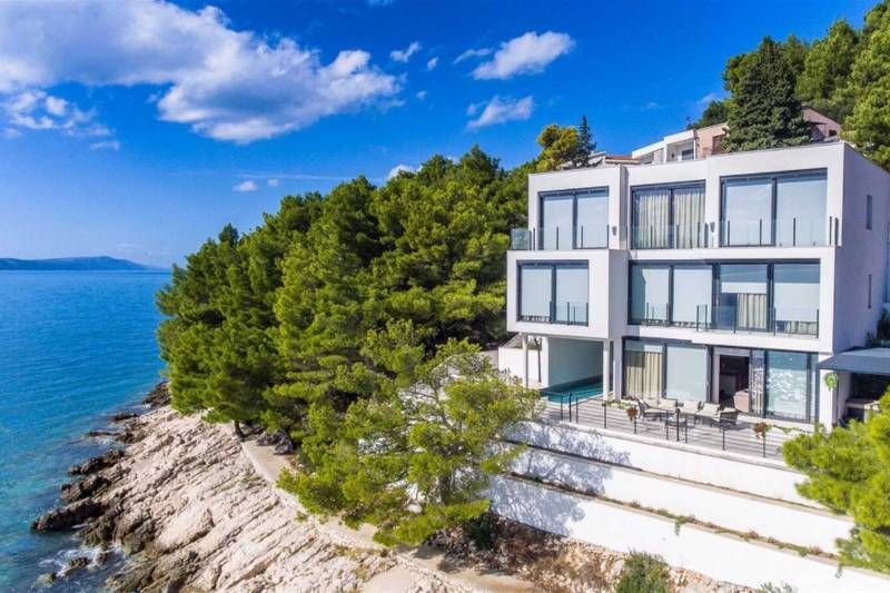 Beachfront Villa Costabella with Pool