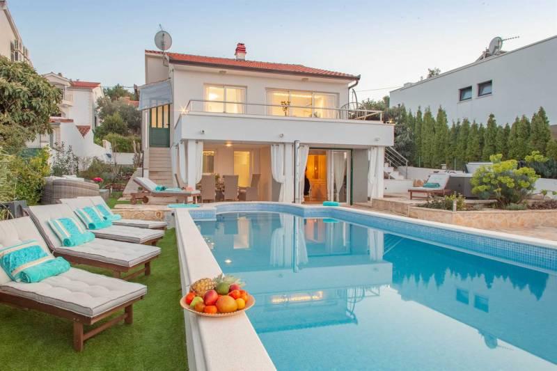 Beachfront Villa Mar with Heated Pool
