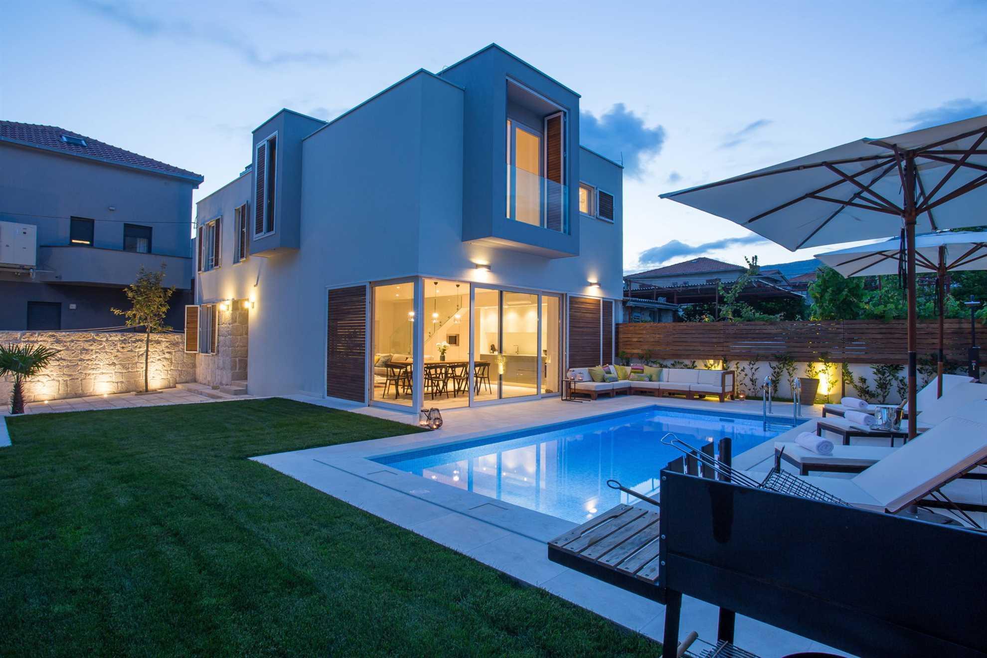 Villa La Idea with Heated Pool