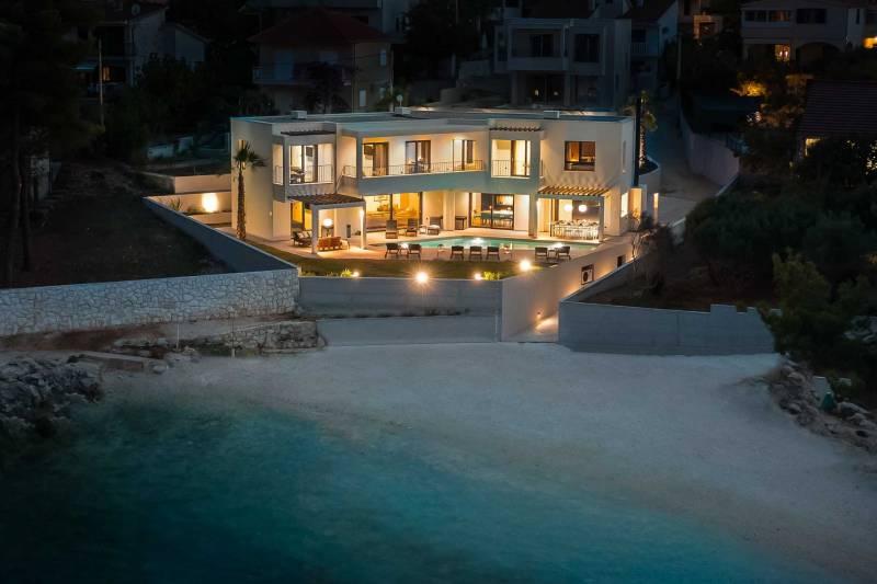 Beachfront Villa Sea Suprema with Pool