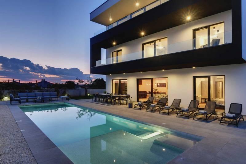 Villa Polei with Pool
